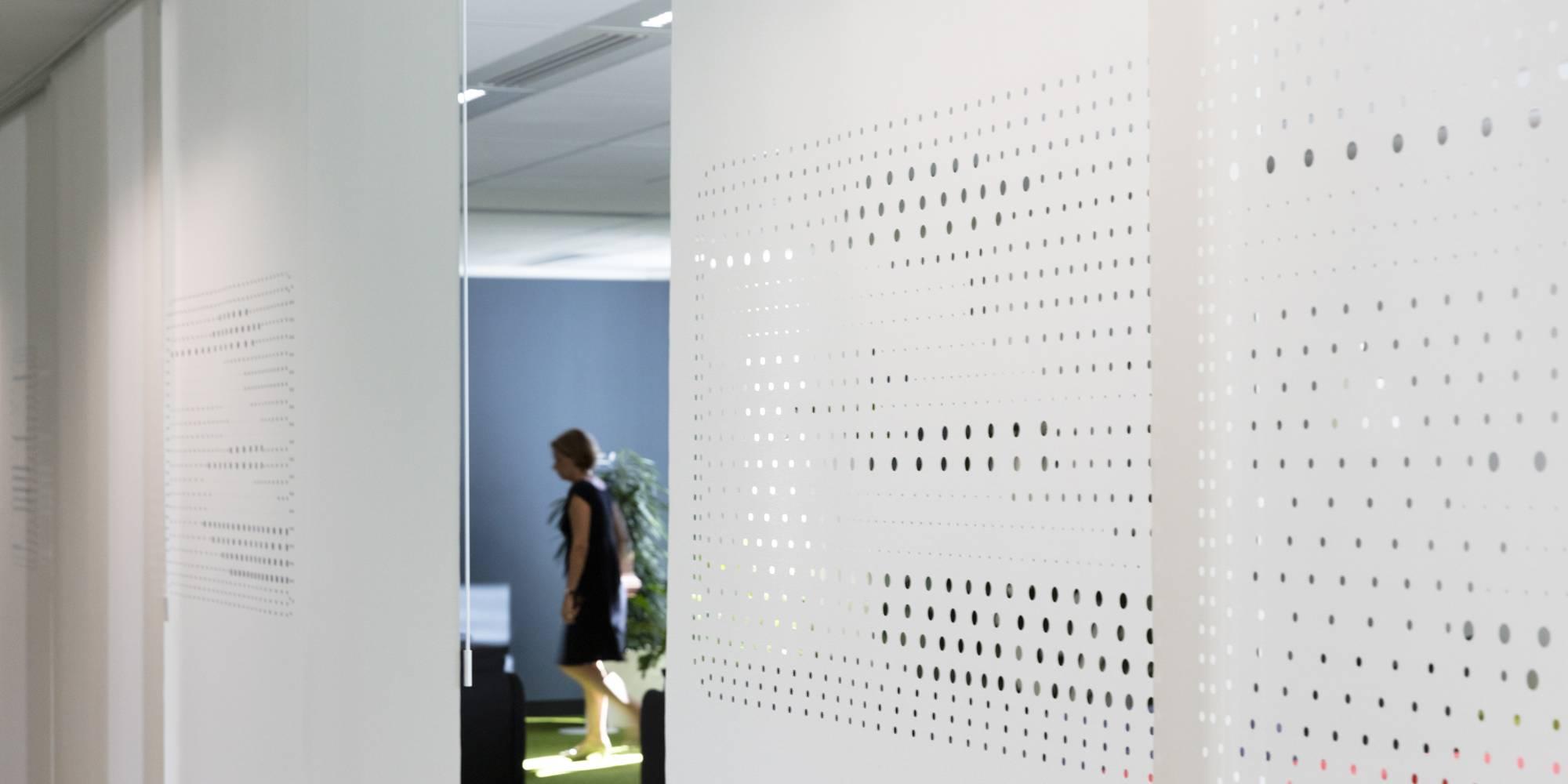 Dessin exclusif sur panneaux coulissants en séparation d'espaces
