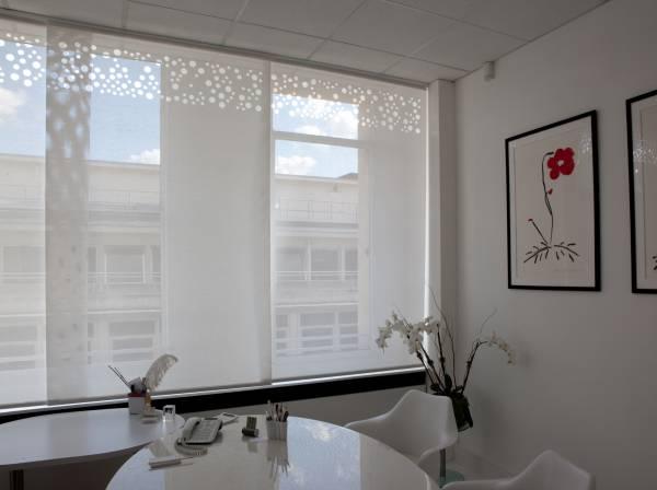 Protection solaire pour un bureau trop lumineux-1