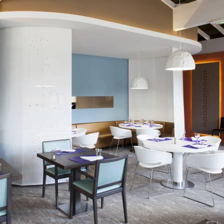 Séparation d'espace / restaurant Novotel