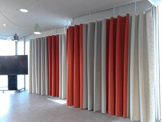 XL-wave-curtains-in-felt-general-view-3