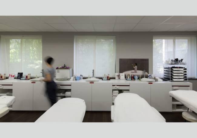 "sliding panels in sun screen fabric for the ""Shiseido"" training center in Paris"