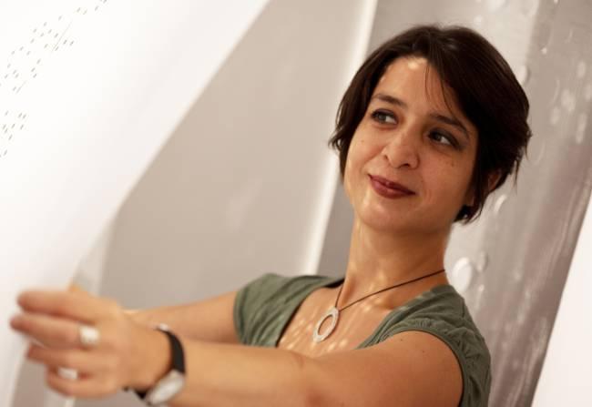 Lily Latifi, designer /entrepreneur spécialisée dans les matériaux souples