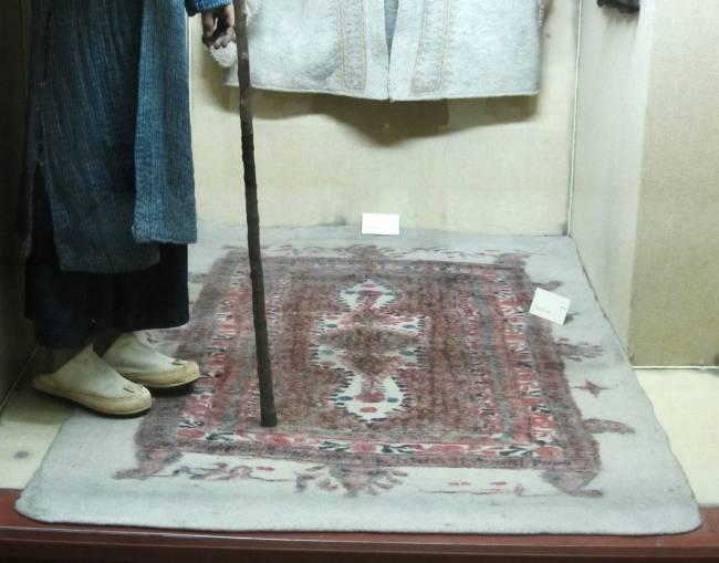 tapis en feutre fait main