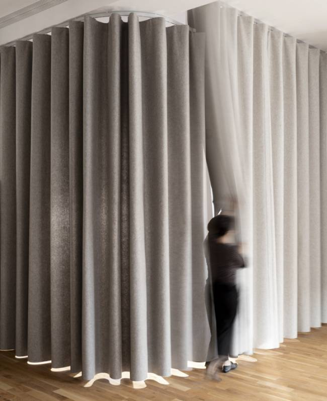 namad-XL-wave-curtains-view-1