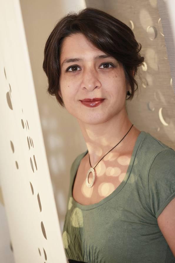 Lily Latifi est un designer spécialiste des matériaux souples