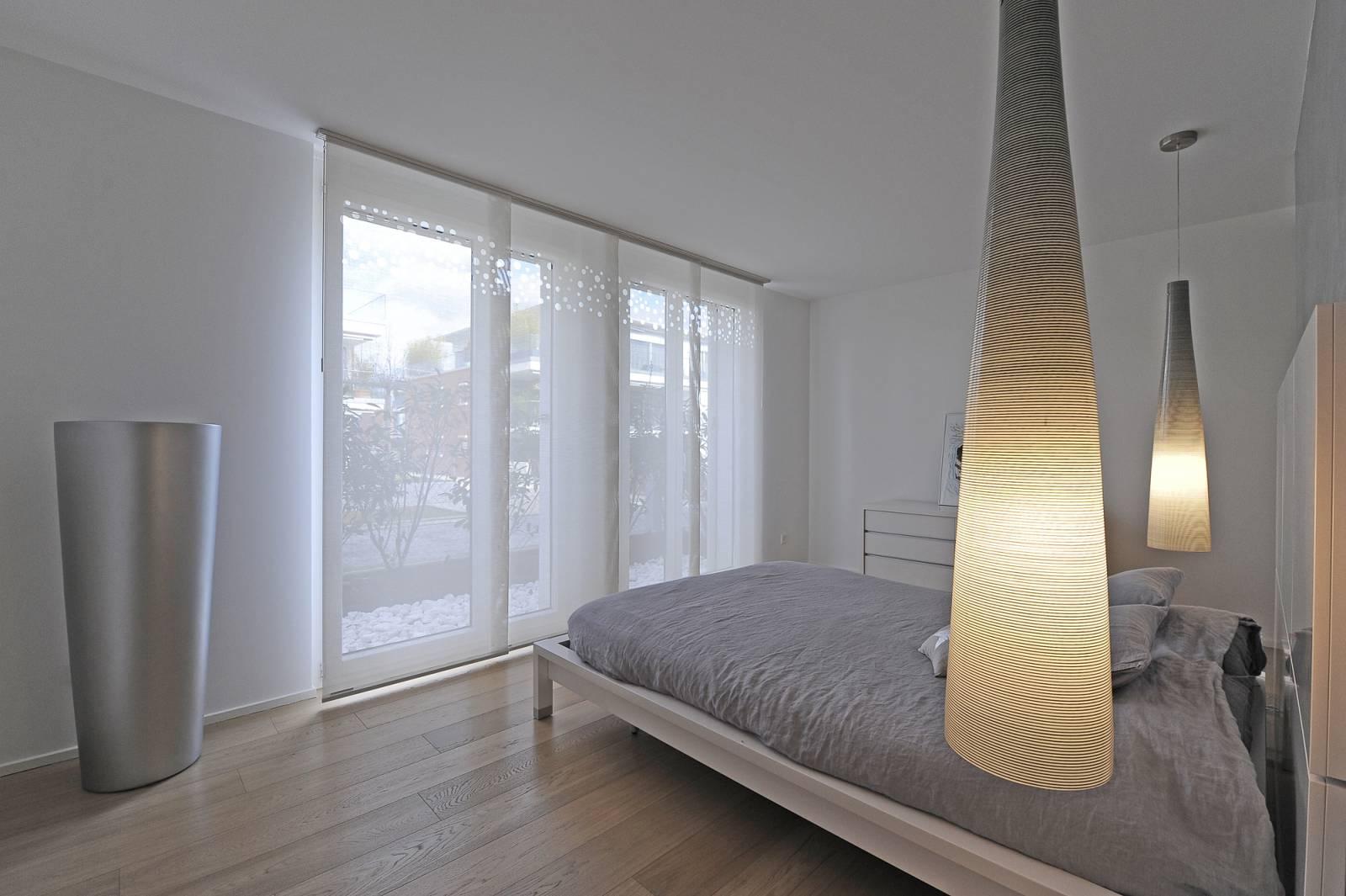 """Panneaux japonais écrans solaires """"Bulles de savon"""" : appartement privé - Suisse"""