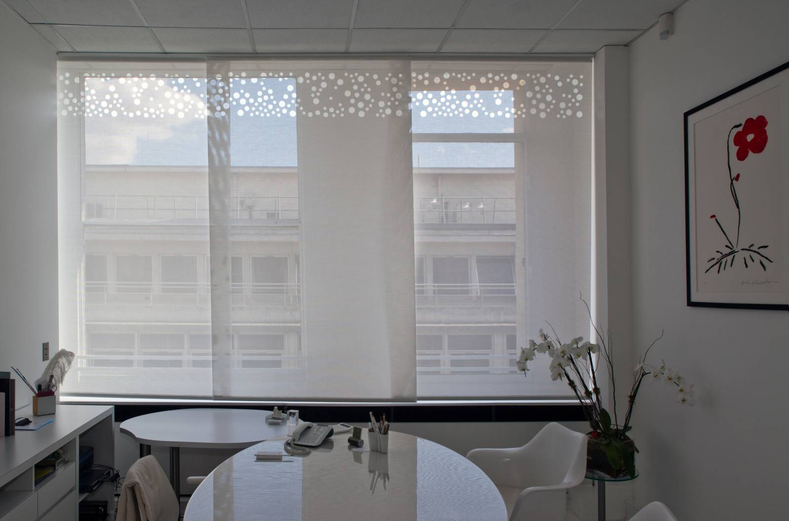 """Bubbles"" sun screen sliding panel : executive office - Paris - 2"