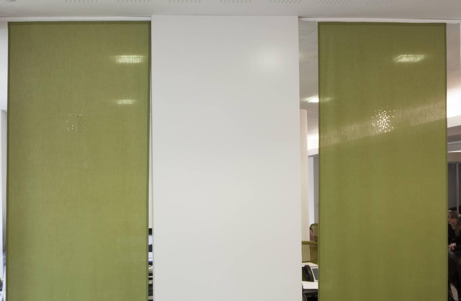 Petites fen tres panneau japonais translucide for Fenetre japonais