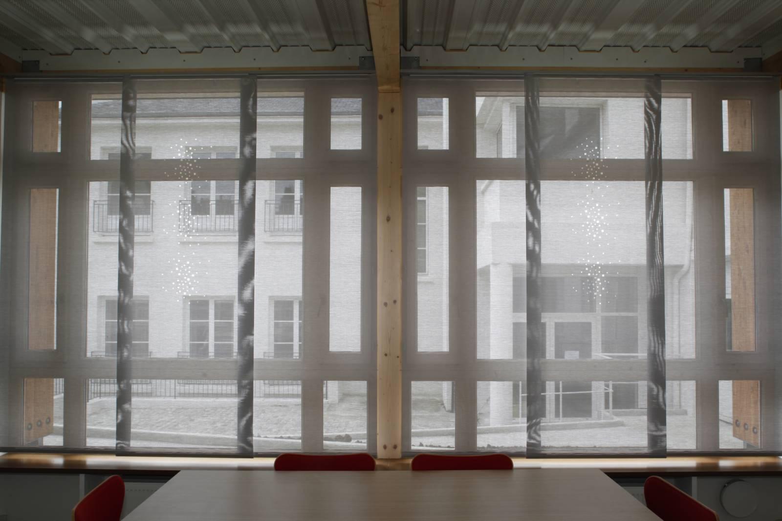 """Panneaux japonais écran solaire """"Petites fenêtres"""" - exemple de réalisation 5"""