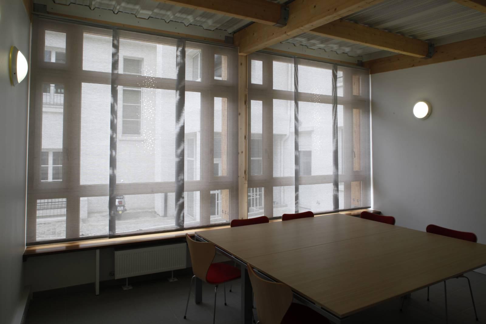 """Panneaux japonais écran solaire """"Petites fenêtres"""" - exemple de réalisation 6"""