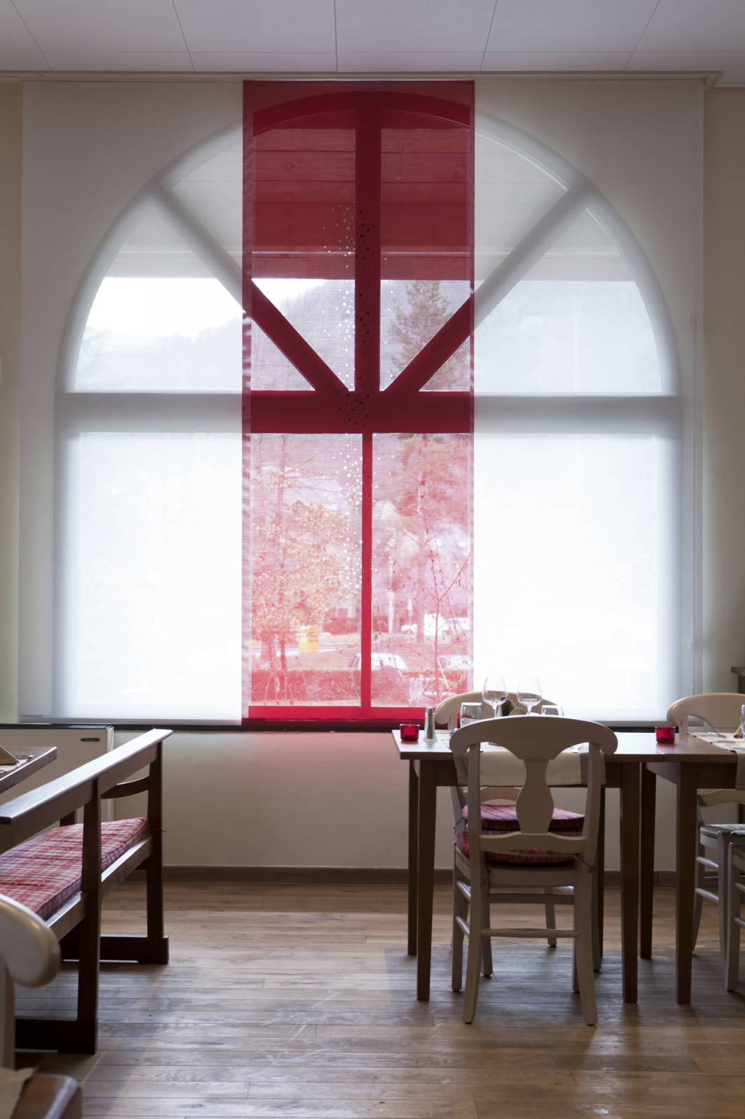 """Little windows"" sun screen sliding panel - example 16"