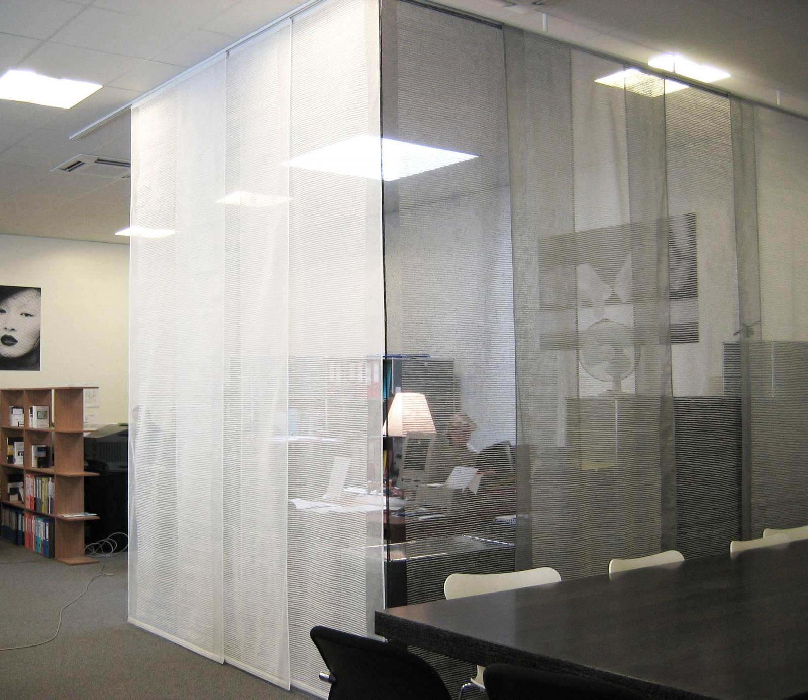 """Siesta H"" transparent sliding panel - example 14"