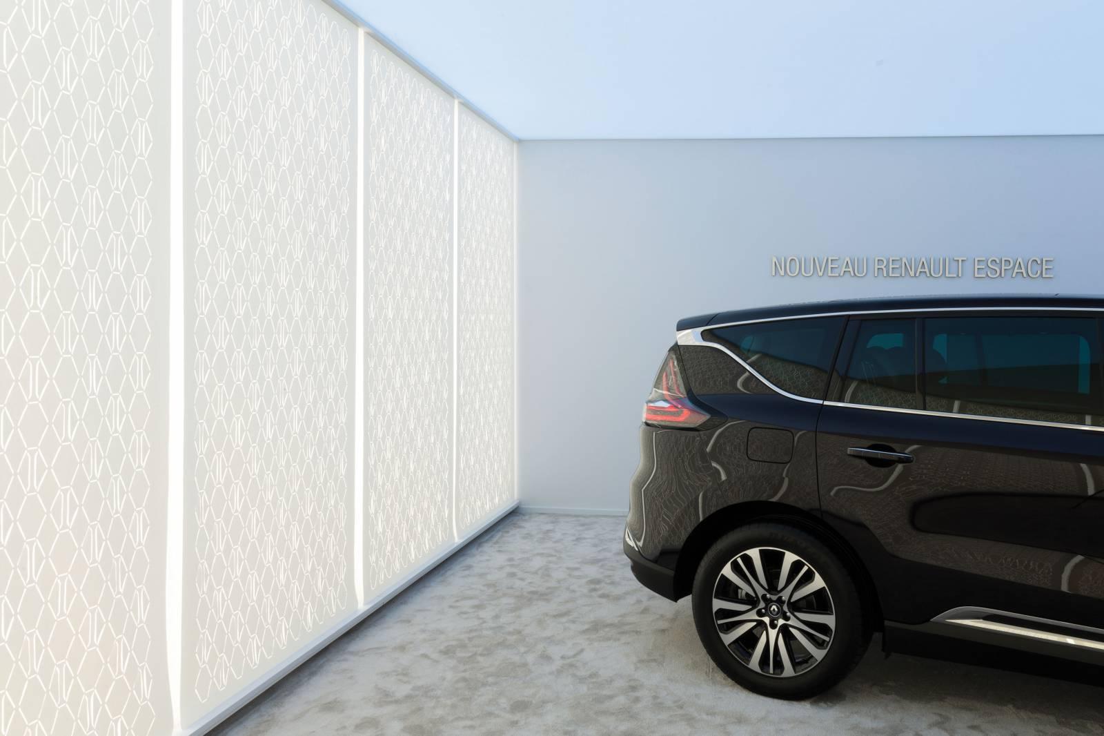 5 - Séparation d'espaces pour la marque INITIALE PARIS du groupe RENAULT