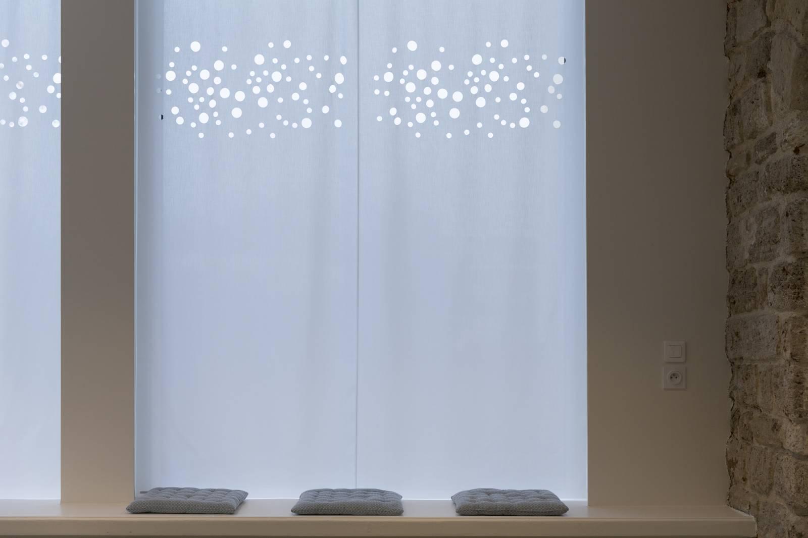 rideaux plats. Black Bedroom Furniture Sets. Home Design Ideas