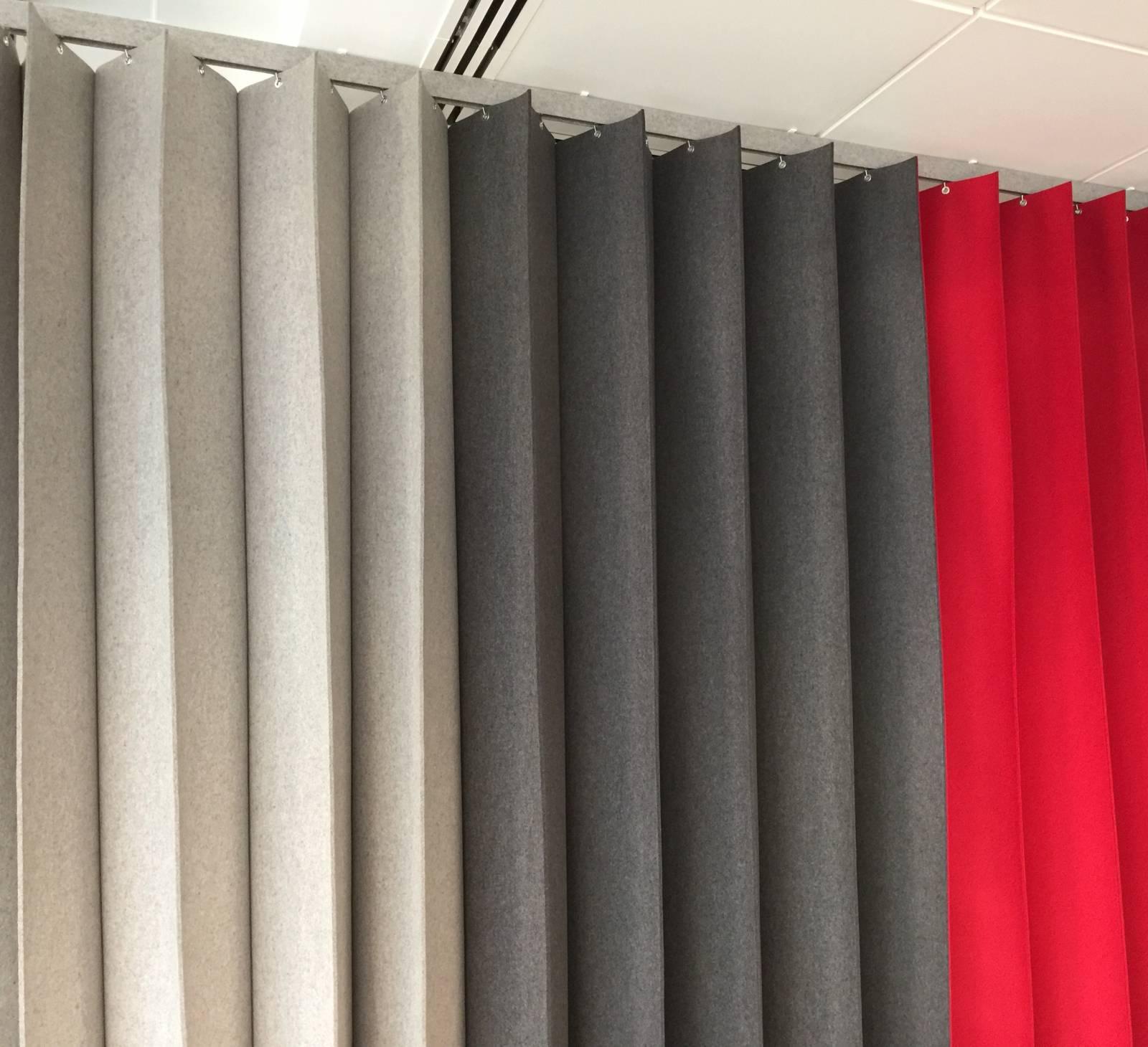 Parois-pliantes-tricolor-gris-anthracite-rouge