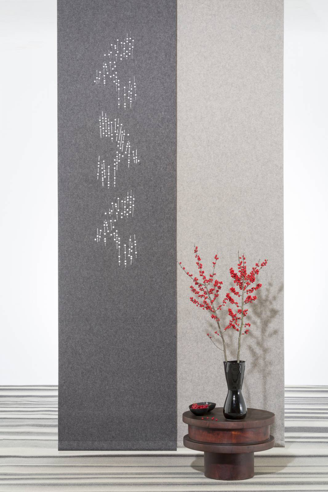 """Namad"" sliding panels - Acoustic Felt - Cloud of flowers"