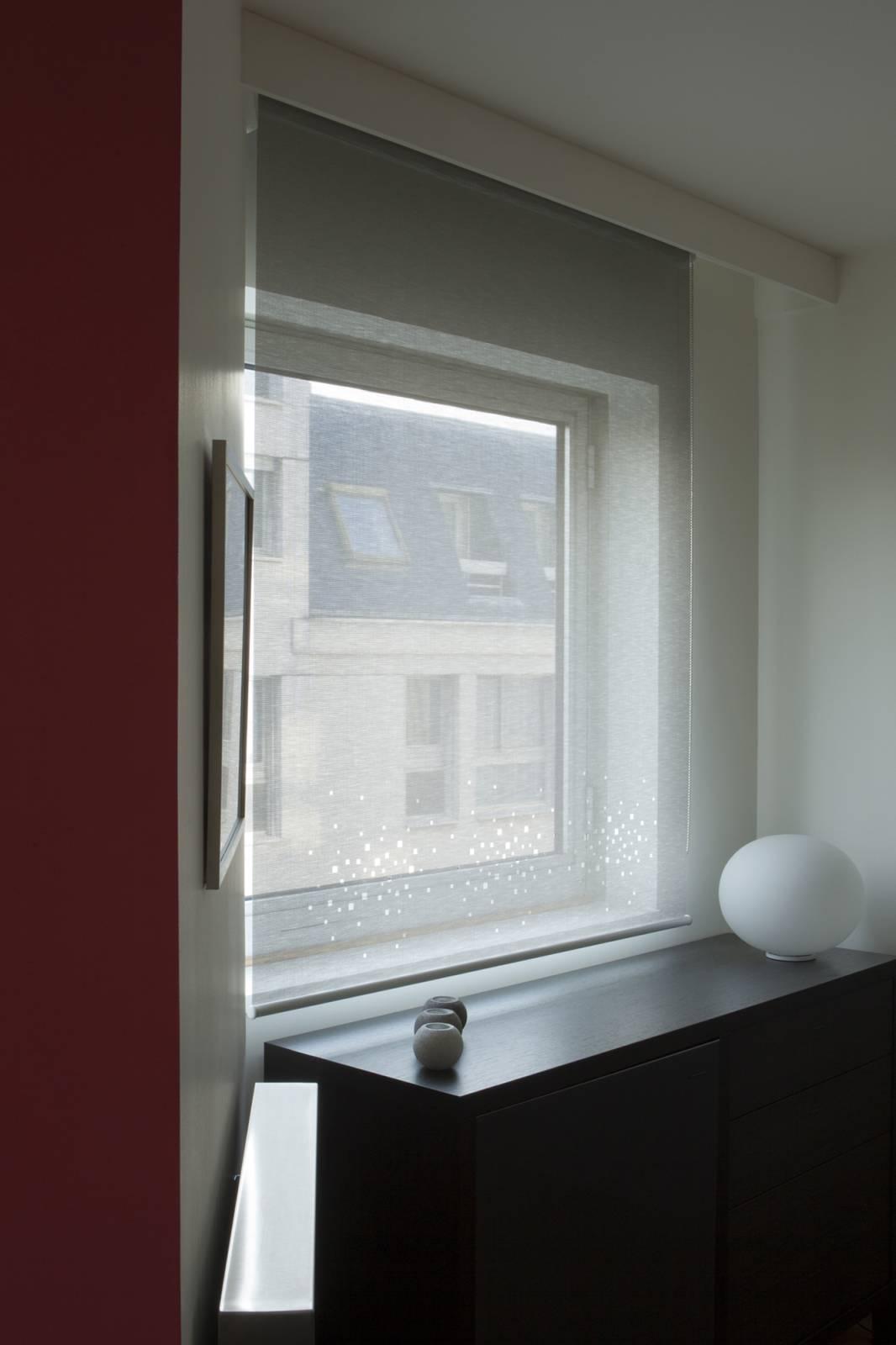 """Store enrouleur écran solaire """"Petites fenêtres"""" - 2"""