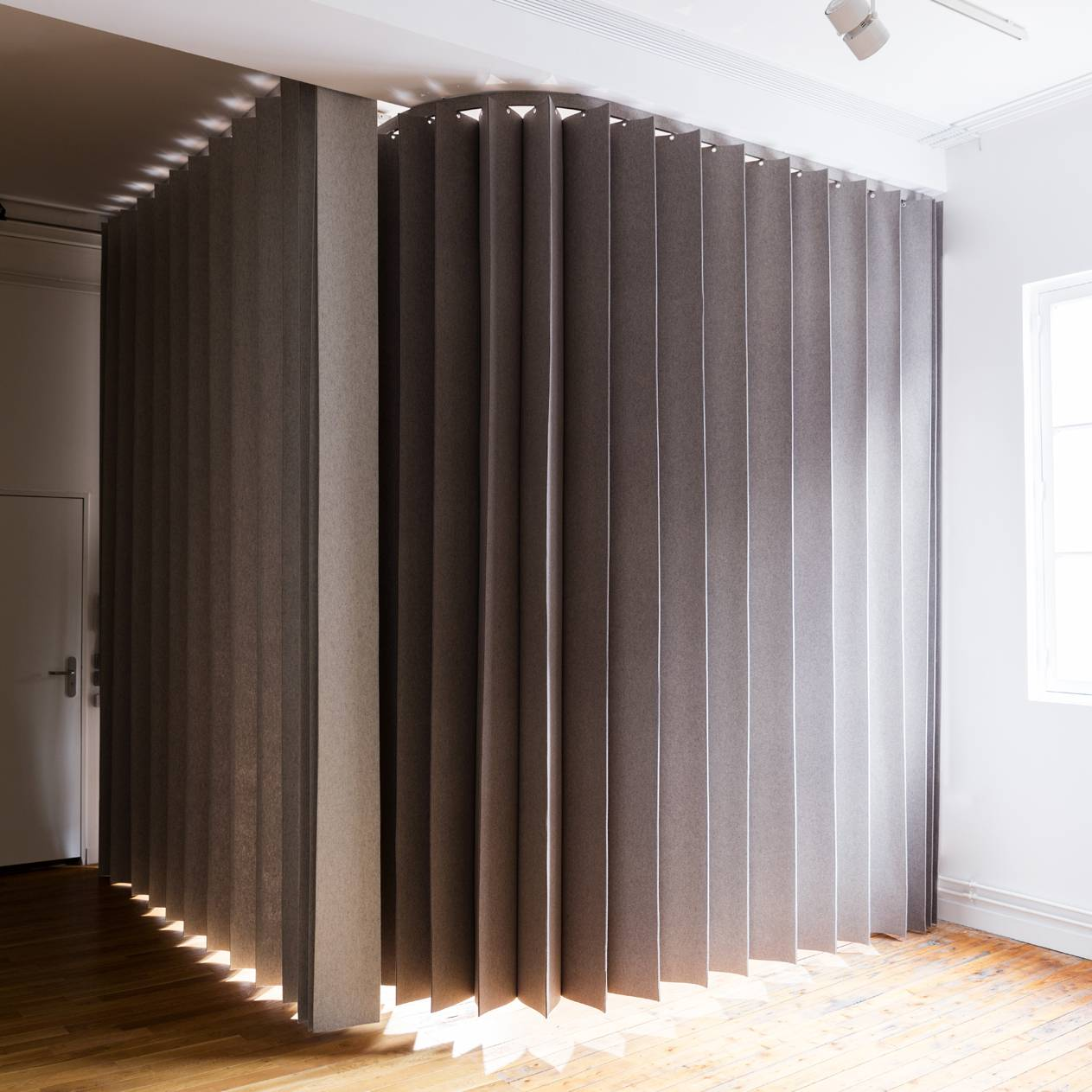 "pleating-panel-""namad""-closed-position"