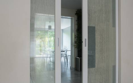 "Transparent glass panels : ""Siesta V"" ashes"