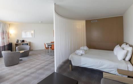 Flat curtains  : Novotel