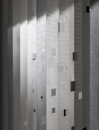 Stores à bandes verticales - 3